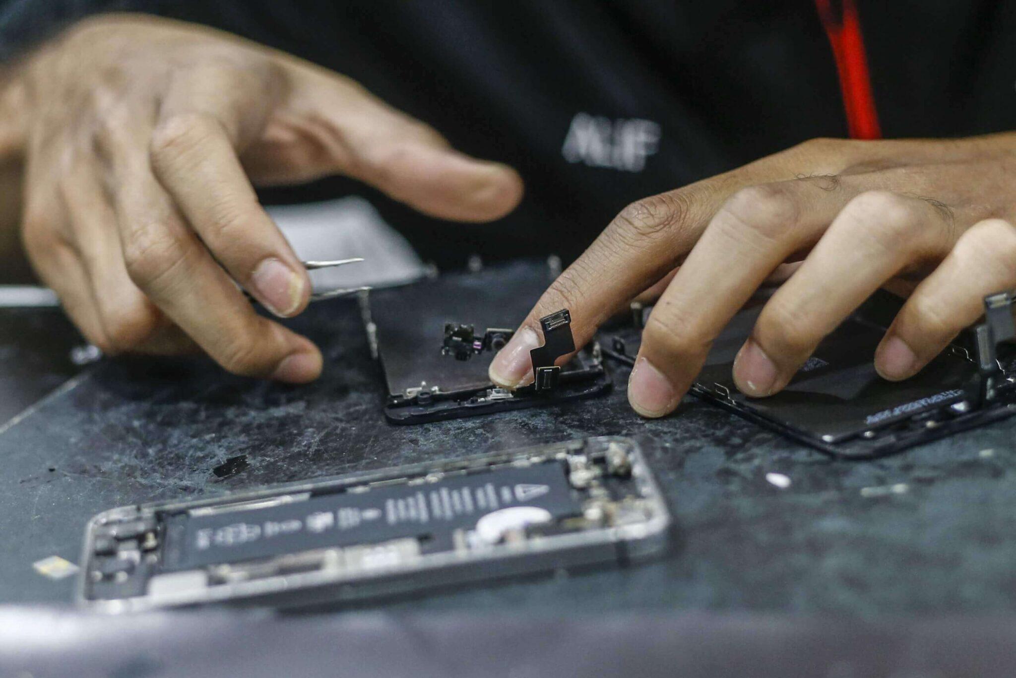 Сложности ремонта техники Apple